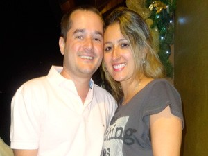 Casal Viviane e Miguel Patitucio veio do Rio para comemorar aniversário de casamento (Foto: Felipe Truda/G1)