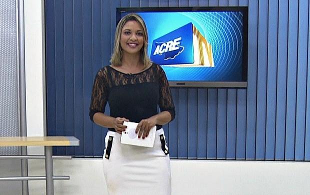 Aline Vieira volta a apresentar o Acre TV após período de férias (Foto: Acre TV)