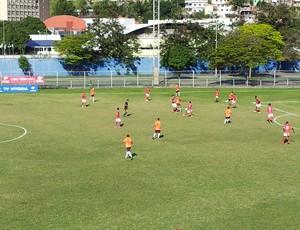 Vilavelhense e Desportiva Ferroviária pela Copa Espírito Santo 2013 (Foto: Eduardo Dias)