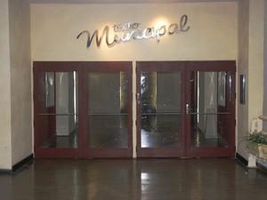 Teatro Municipal de São José dos Campos está interditado desde fevereiro  (Foto: Divulgação)