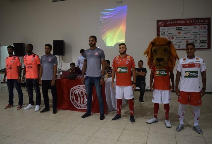 Tupynambás uniforme temporada 2017 (Foto  Antônio Paulo Tupynambás FC) d5ed80a6a439b