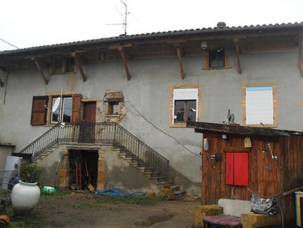Casa mal-assombrada na França foi à venda por apenas 1 euro (R$ 2,70). (Foto: Reprodução)