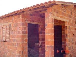 Casas populares foram entregues após o prazo previsto em convênio (Foto: Relatório CGU/Divulgação)