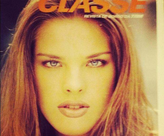 Aos 17 anos, Letícia Birkheuer estampou pela primeira vez uma capa de revista como modelo (Foto: Reprodução)