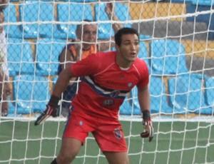 Para Milton, gols sofridos foram por causa de falhas do time (Foto: Biaman Prado/O Estado)