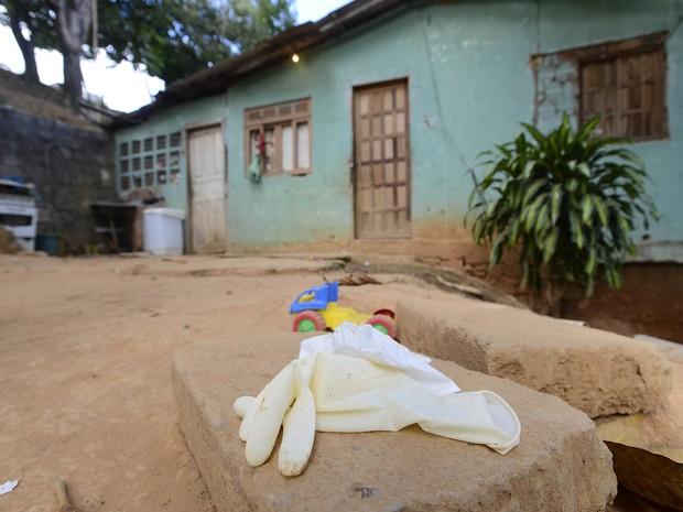 Homem mata esposa em casa e filhos denunciam à polícia, no Espírito Santo (Foto: Bernardo Coutinho/ A Gazeta)