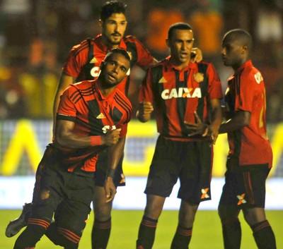Luiz Antônio Sport x Santa Cruz (Foto: Aldo Carneiro / Pernambuco Press)