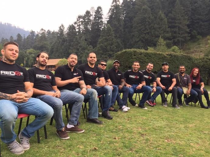 Fabrício Werdum e equipe no México (Foto: Arquivo Pessoal)