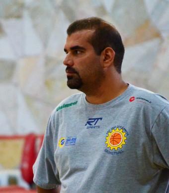 Cristiano Ahmed técnico São José Basquete (Foto: Danilo Sardinha/GloboEsporte.com)