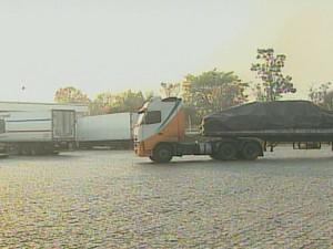 Posto de parada de caminhoneiros na Rodovia Washington Luís (Foto: Reprodução/EPTV)