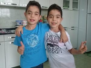 Garotos estão com oito anos; meme foi lançado em 2011 (Foto: Caio Gomes Silveira/ G1)