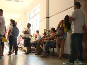 Corredores lotados atrapalham o atendimento da população em cartórios de Campinas  (Foto: Reprodução/EPTV)