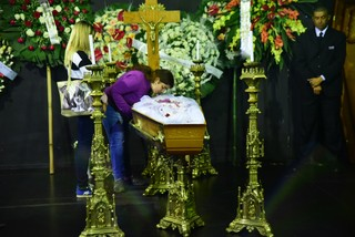 Filha de Filha se despede emocionada se despede emocionada (Foto: Leo Franco / AgNews)