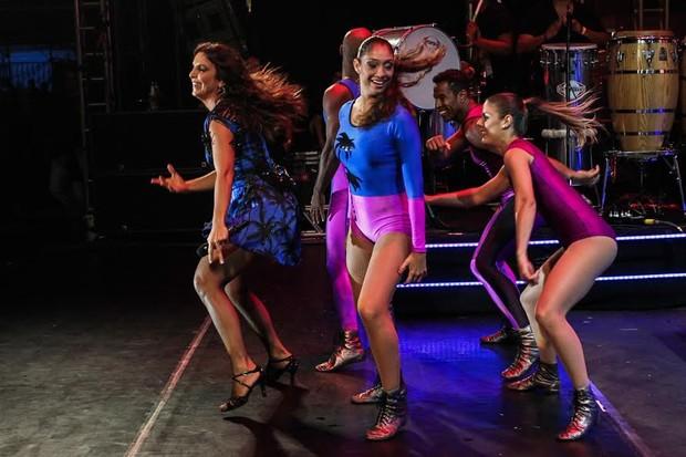 Ivete Sangalo faz show no Guarujá (Foto: Manuela Scarpa / PhotoRioNews)