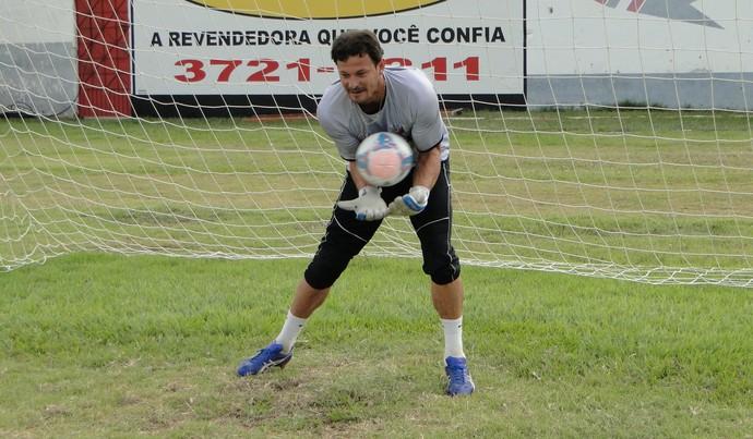 Hiran, goleiro do Colatina (Foto: Toninho Costa)