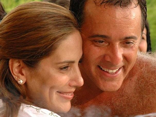 """Tony Ramos e Glória Pires trocam de corpo em """"Se Eu Fosse Você"""" (Foto: Divulgação / Reprodução)"""
