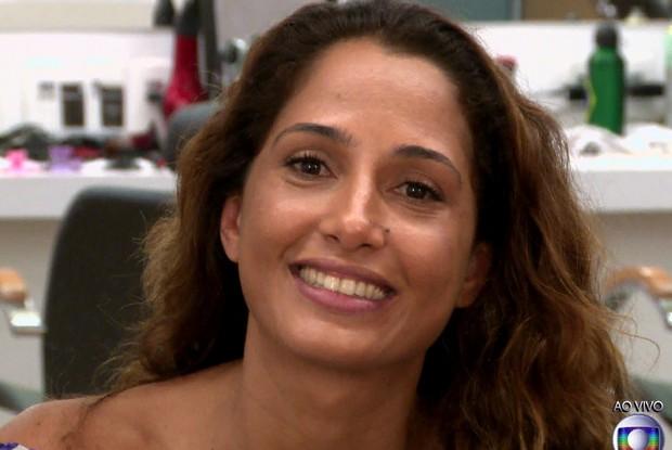 Atriz revela os truques para pele parecer sempre bronzeada (Foto: Tv Globo)
