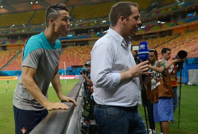 Cristiano Ronaldo Careta Treino Portugal (Foto: AP)