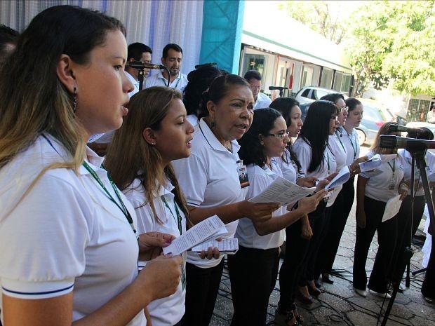 Coral da Rede Amazônica se apresentou durante comemoração  (Foto: Katiúscia Monteiro/ Rede Amazônica)
