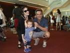 Alexandre Nero leva o filho de 1 ano ao musical 'Beatles para crianças'