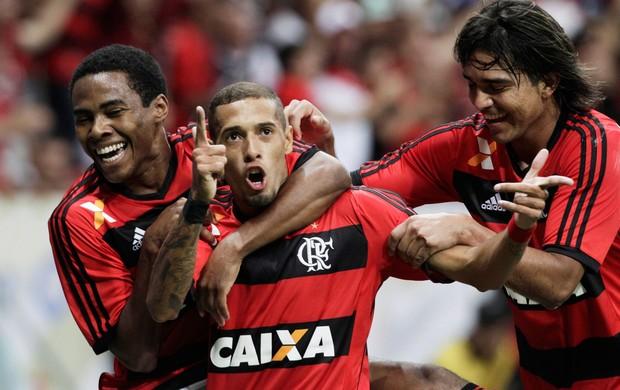 Paulinho, Elias e Marcelo Moreno comemoram, Vasco x Flamengo (Foto: Jorge William/Agência O Globo)