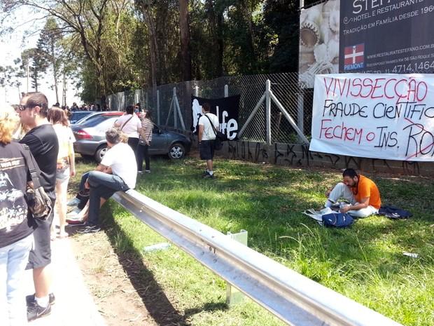 Protesto começou de maneira pacífica (Foto: Geraldo Jr. / G1)
