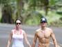 Katy Perry e Orlando Bloom mostram intimidade em viagem ao Havaí