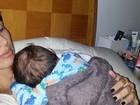 Jaque Khury conta que passou a noite em claro com o filho