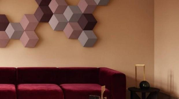 Bang & Olufsen lançou aparelhos de som em formato de azulejos que podem ser combinados entre sim e instalados como quadros na parede.  (Foto: Divulgação)