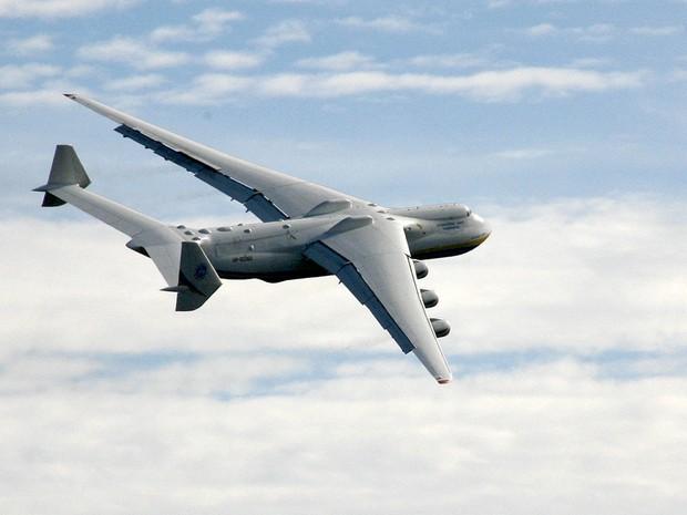 Aeronave tem seis turbinas e 84 m de comprimento (Foto: Divulgação/ Antonov Company)