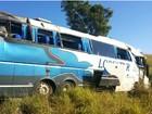 Caminhoneiro morre em acidente entre ônibus e carreta em Cascavel