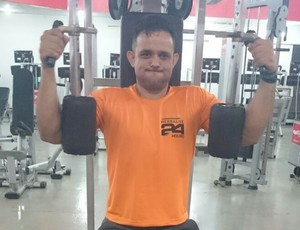 Atleta com perna amputada perde 42kg  (Foto: Anderson Nunes/ arquivo pessoal)