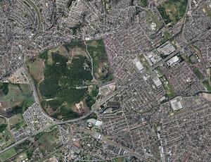 Terreno em Deodoro onde será construído o novo autódromo do Rio de Janeiro (Foto: Google Maps)