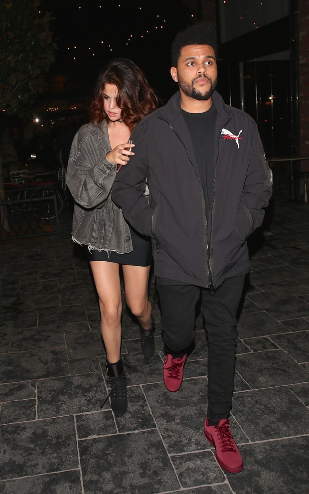 The Weeknd e Selena Gomez em Los Angeles, nos Estados Unidos (Foto: Grosby Group/ Agência)