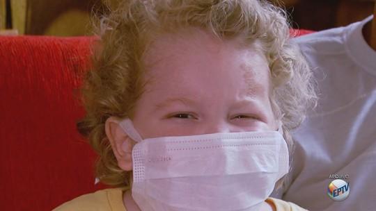 Menino de Campo Belo com síndrome rara morre em hospital de SP