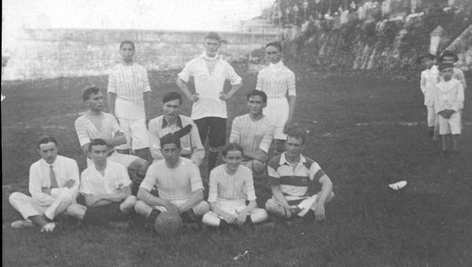 Primeiros jogos do Campeonato Cearense ocorriam no Passeio Público (Foto: Arquivo Nirez Filho)