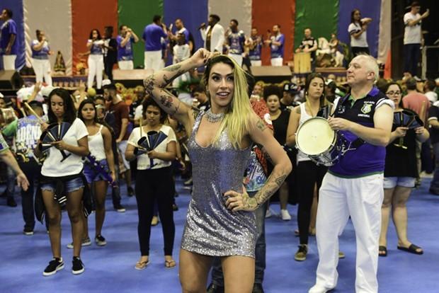 Dani Bolina, madrinha de bateria da Unidos de Vila Maria (Foto: Leo Franco/AgNews)