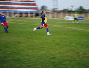 Edilsinho do Vilhena é artilheiro do time com seis gols (Foto: Rogério Perucci/GLOBOESPORTE.COM)