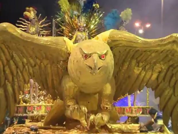 Começam desfiles do carnaval de Uruguaiana (Foto: Reprodução/RBS TV)
