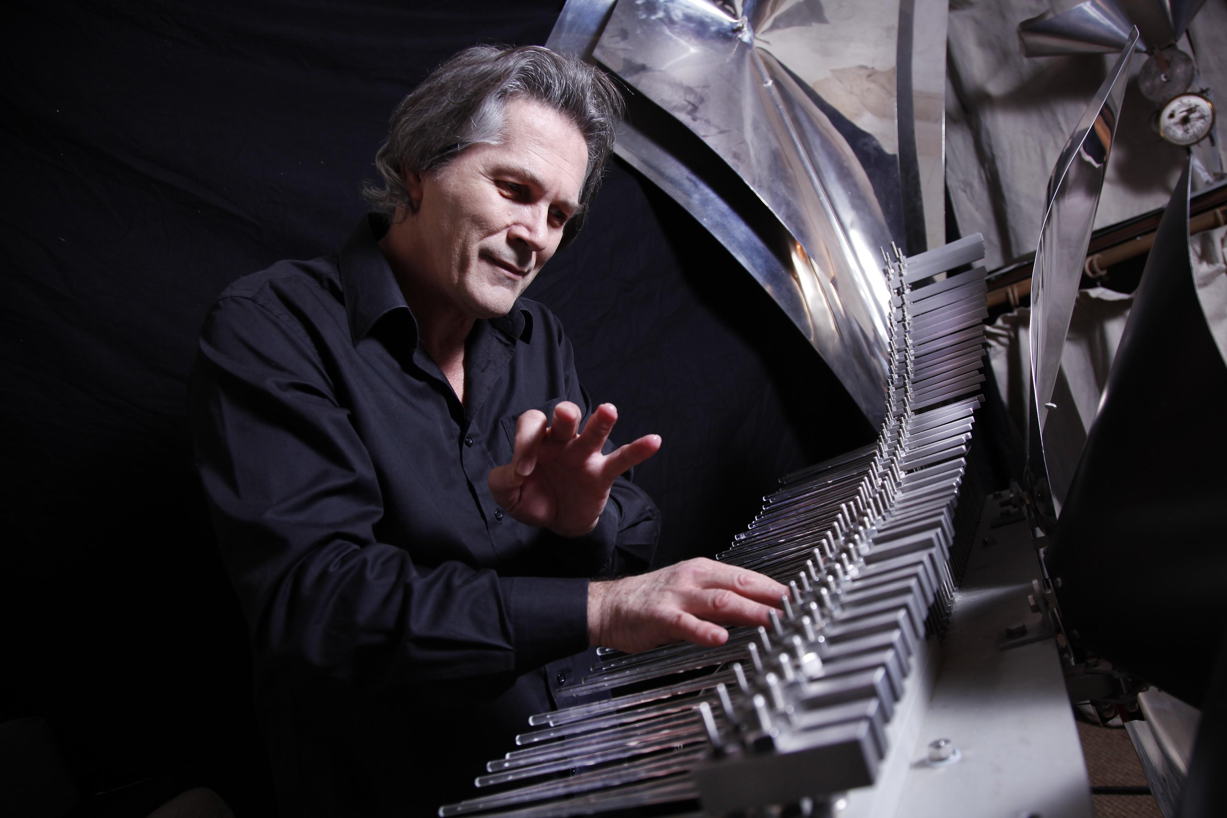 Instrumentista francês encerra a temporada do Palcos Musicais