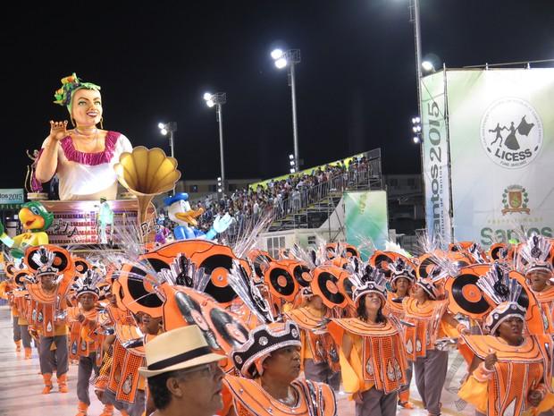 Cultura dos morros foi exaltada na Unidos dos Morros (Foto: Orion Pires/G1)