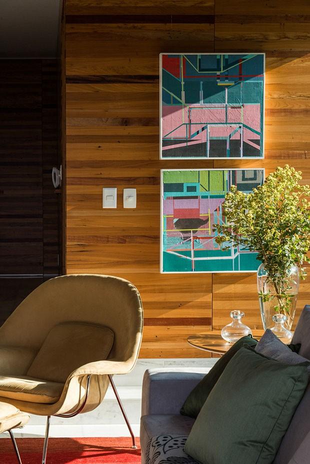 Casa na serra aposta no mix entre rústico e contemporâneo (Foto: Jomar Bragança/Divulgação)