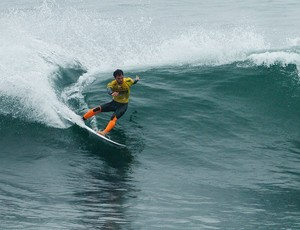 Alejo Muniz surfe Santa Clara (Foto: Getty Images)