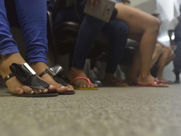 Vítimas de assalto em Cariacica (Foto: Vitor Jubini/ A Gazeta)