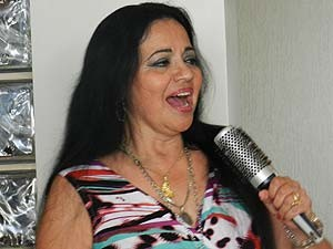 Perla apresentará repertório de toda sua carreira neste noite.  (Foto: Caroline Aleixo/G1)