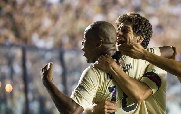Rafael Vaz e Juninho gol Vasco x Criciúma (Foto: Celso Pupo / Ag. Estado)