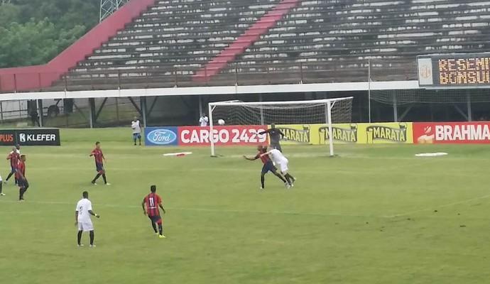 Mesmo como mandante, o Resende teve que jogar longe de casa, no estádio Giulite Coutinho, em Edson Passos (Foto: Felipe Olive/Resende FC)