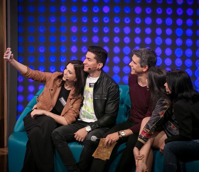 Família de Anitta registra encontro com Marcio Garcia (Foto: Isabella Pinheiro / Gshow)