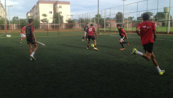 Escolinha do Flamengo em Palmas, treina para disputar o estadual Sub-19 (Foto: Camila Rodrigues/GloboEsporte.com)