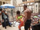 Anitta sensualiza com Nego do Borel no 'Bloco das Poderosas'